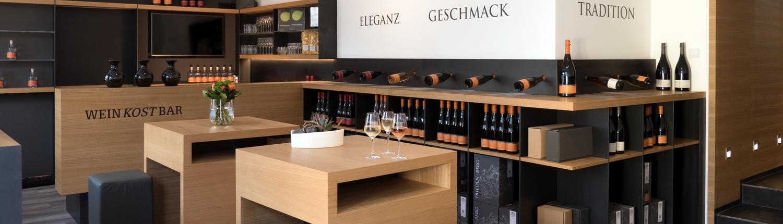 der Innenausbau der Vinothek WeinKostBar