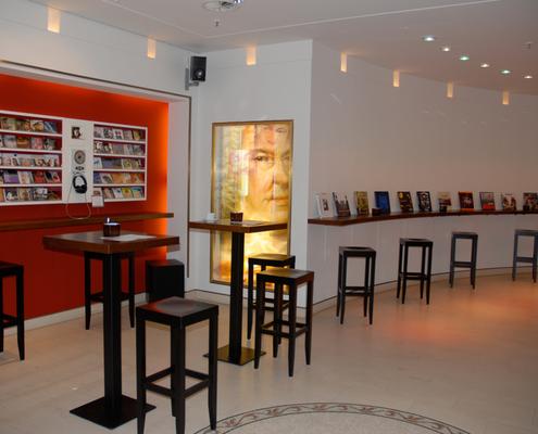 Stehcafé im Musikshop